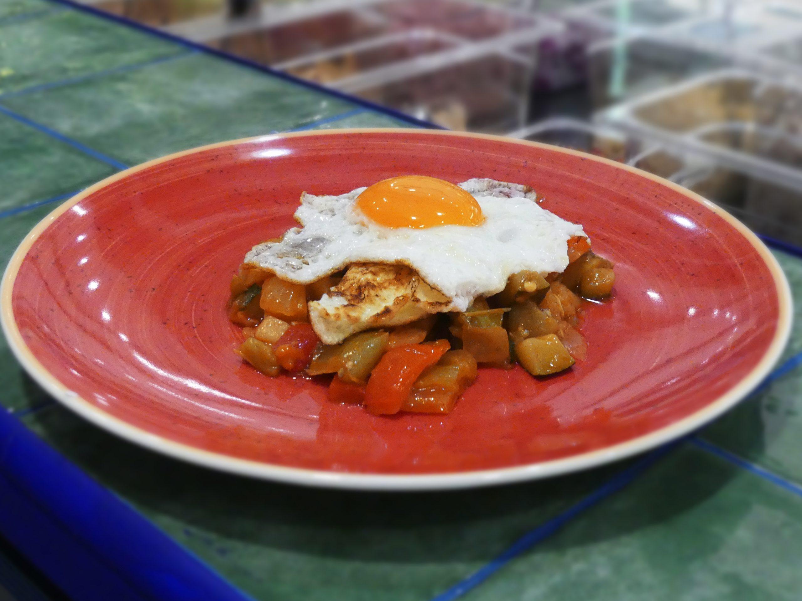 Huevos con Pisto de la huerta manchega